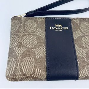 Coach Corner Zip Wristlet Signature Coated Brown